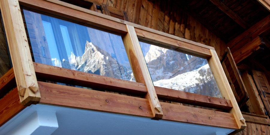 https://chevallier-architectes.fr/content/uploads/2016/04/Balcony-Reflection--900x450.jpg