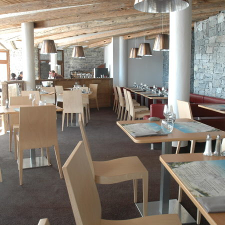 https://chevallier-architectes.fr/content/uploads/2016/05/Salle-restaurant-450x450.jpg
