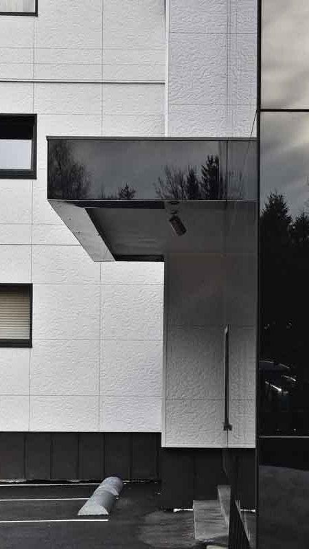 https://chevallier-architectes.fr/content/uploads/2016/07/Outa-Chamonix-18-450x799.jpg