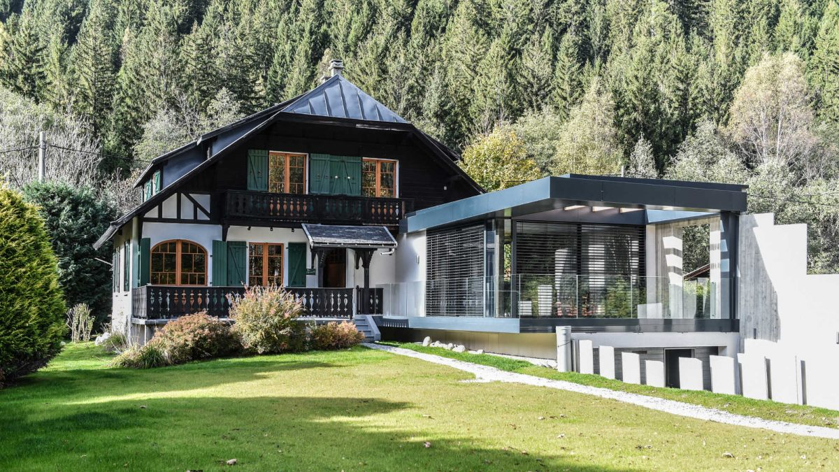 https://chevallier-architectes.fr/content/uploads/2017/11/Chalet-Back-to-the-Modernism14-1200x675.jpg