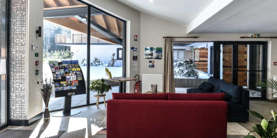https://chevallier-architectes.fr/content/uploads/2017/11/Isatis-Chamonix-7-900x450.jpg