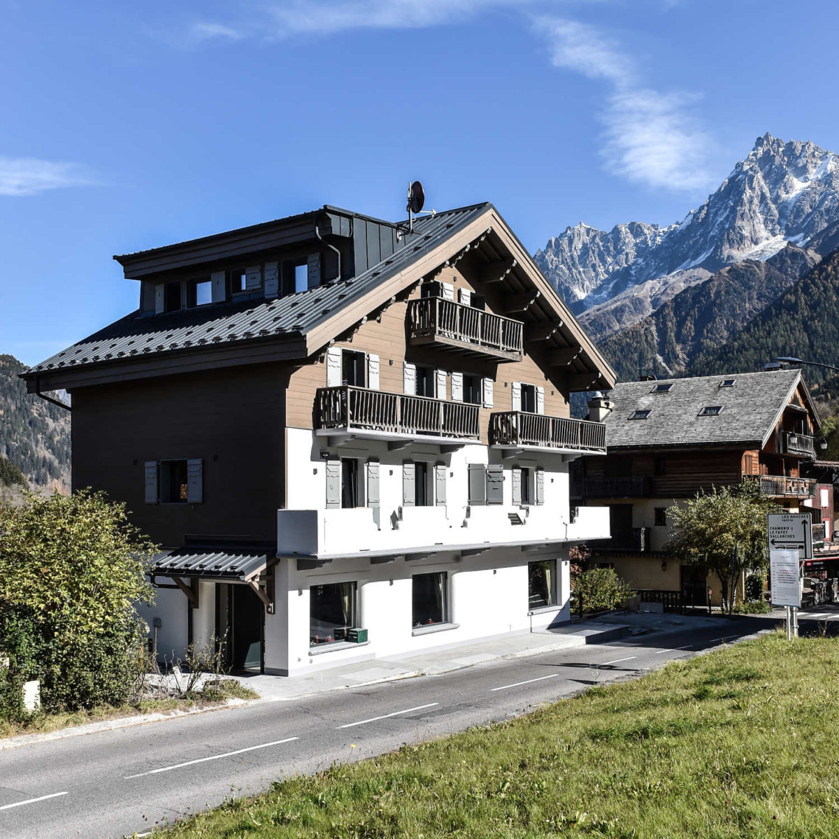 https://chevallier-architectes.fr/content/uploads/2018/01/Hôtel-Slalom65-1200x1200.jpg