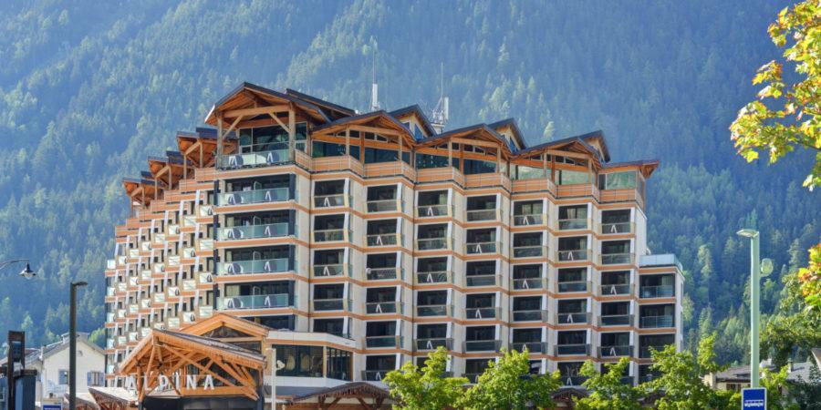 https://chevallier-architectes.fr/content/uploads/2018/10/Alpina-nouveau-Chamonix10-900x450.jpg