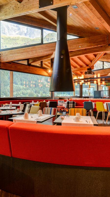 https://chevallier-architectes.fr/content/uploads/2018/10/Alpina-nouveau-Chamonix12-450x801.jpg