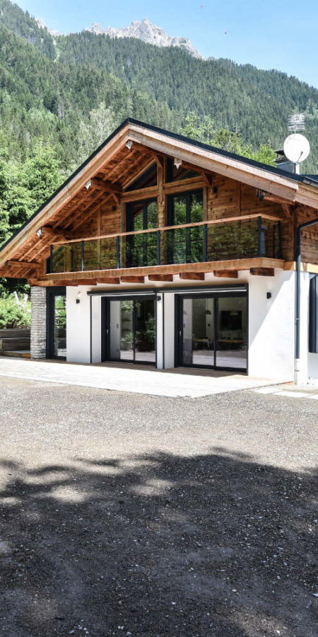 https://chevallier-architectes.fr/content/uploads/2019/07/Chalet-Norre1-450x900.jpg
